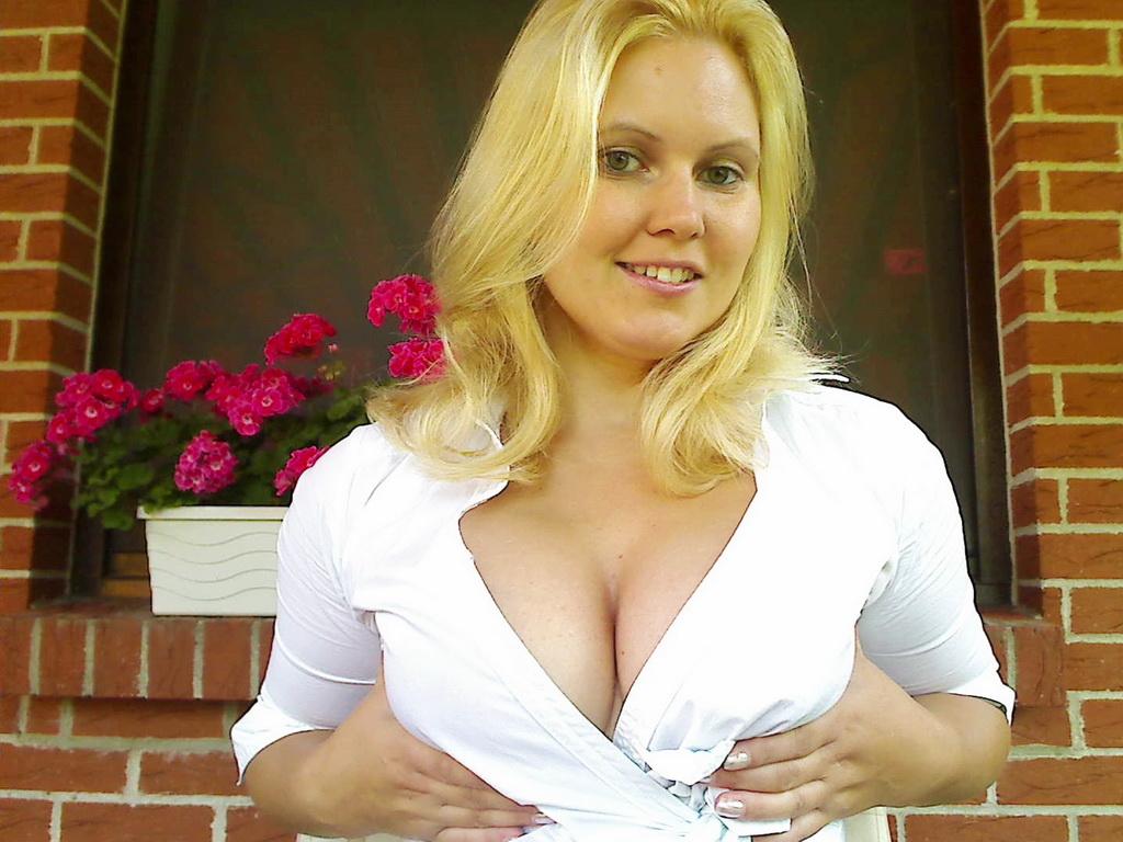 Livesex mit Geiles-Babe auf Camseite.com