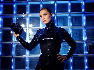 Livesex mit LadyVelvetSteel auf Camseite.com