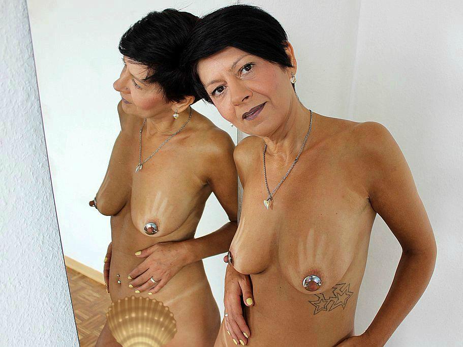 Livesex mit duschnixe auf Camseite.com