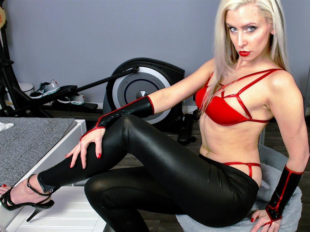 Livesex mit LadySybella auf Camseite.com