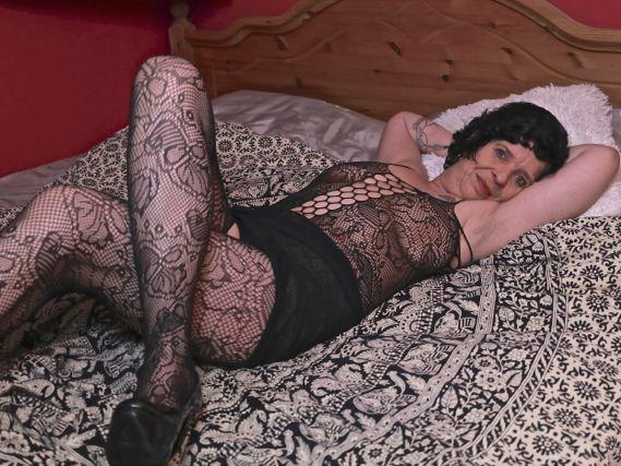 Livesex mit Sexy-Noemy auf Camseite.com