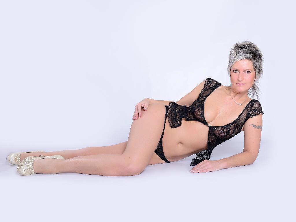 Livesex mit XXX-Jane auf Camseite.com