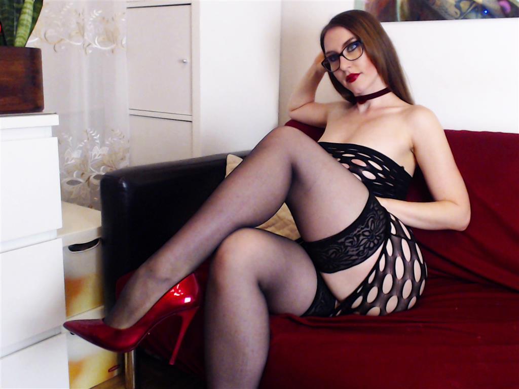 Livesex mit FlirtyElena auf Camseite.com