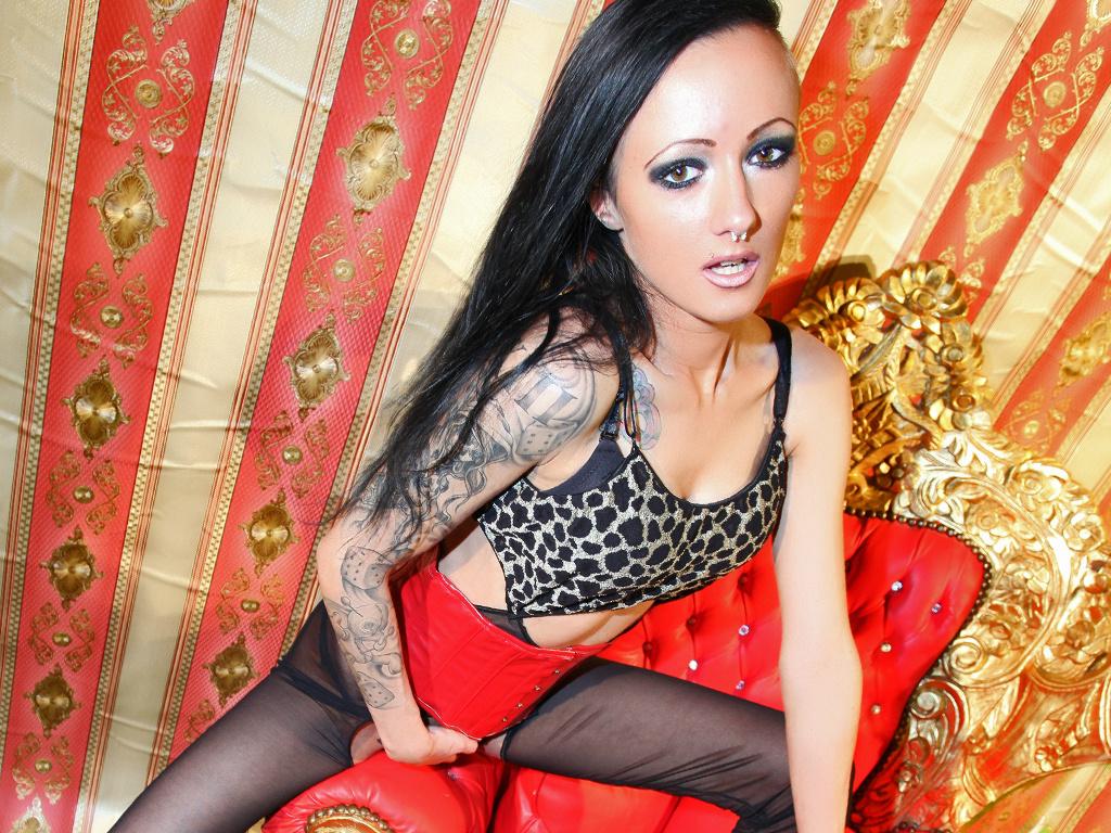 Livesex mit BettiBizarre auf Camseite.com