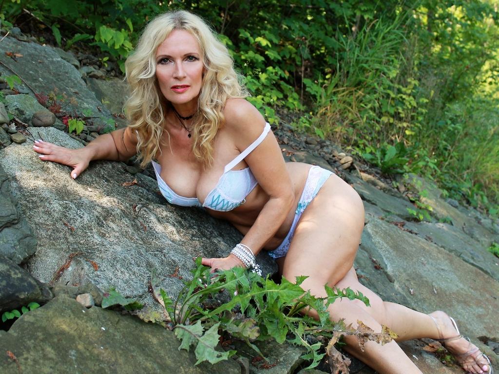 Livesex mit Scarlette auf Camseite.com