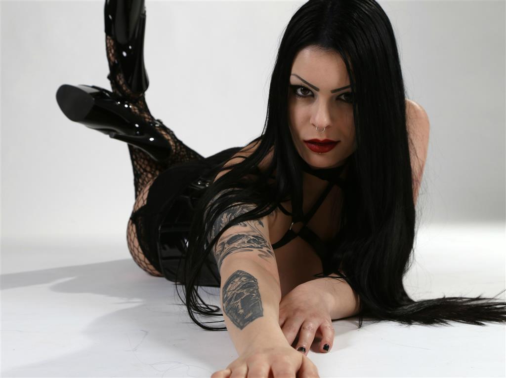Livesex mit LadyAbsinthia auf Camseite.com