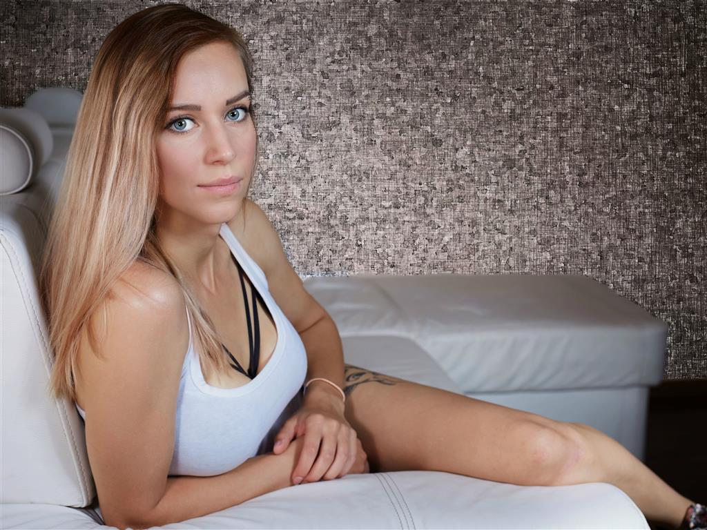 Livesex mit KatieHot4u auf Camseite.com