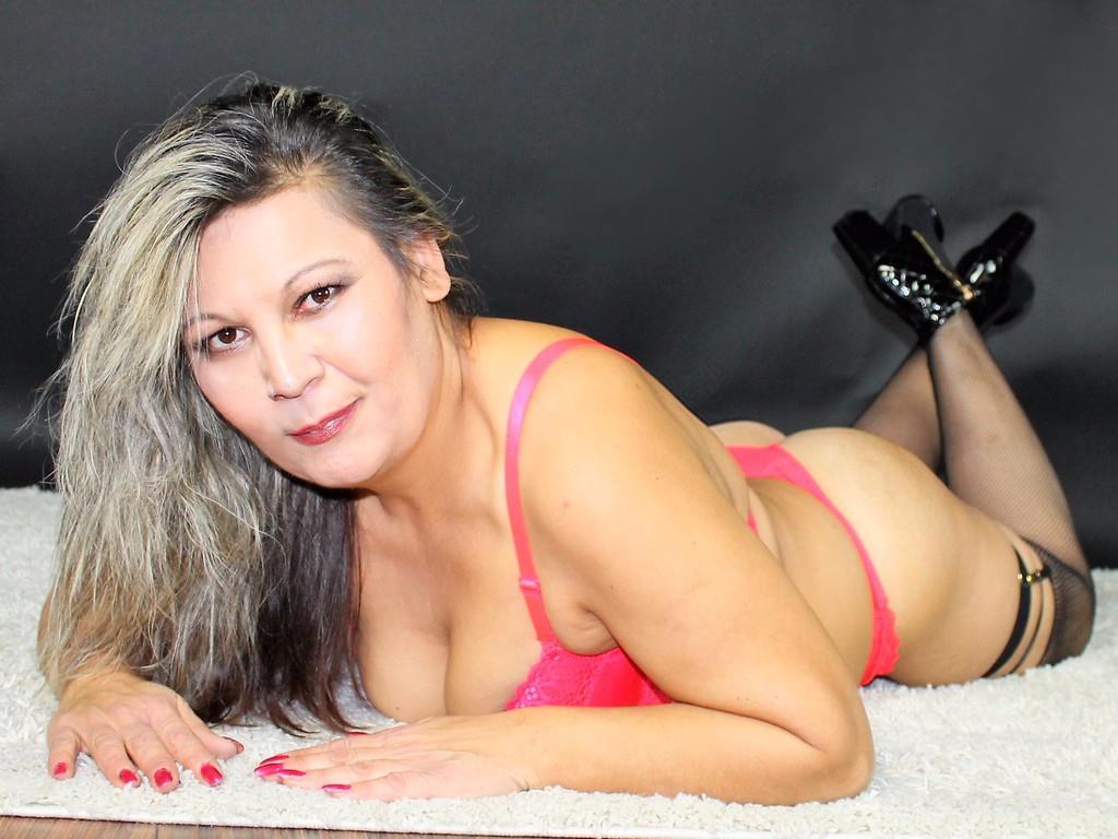 Livesex mit Susanita auf Camseite.com