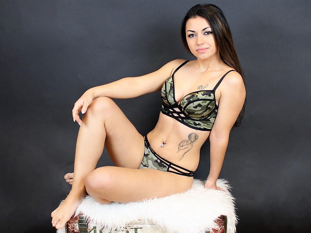 Livesex mit VanessaWild1 auf Camseite.com