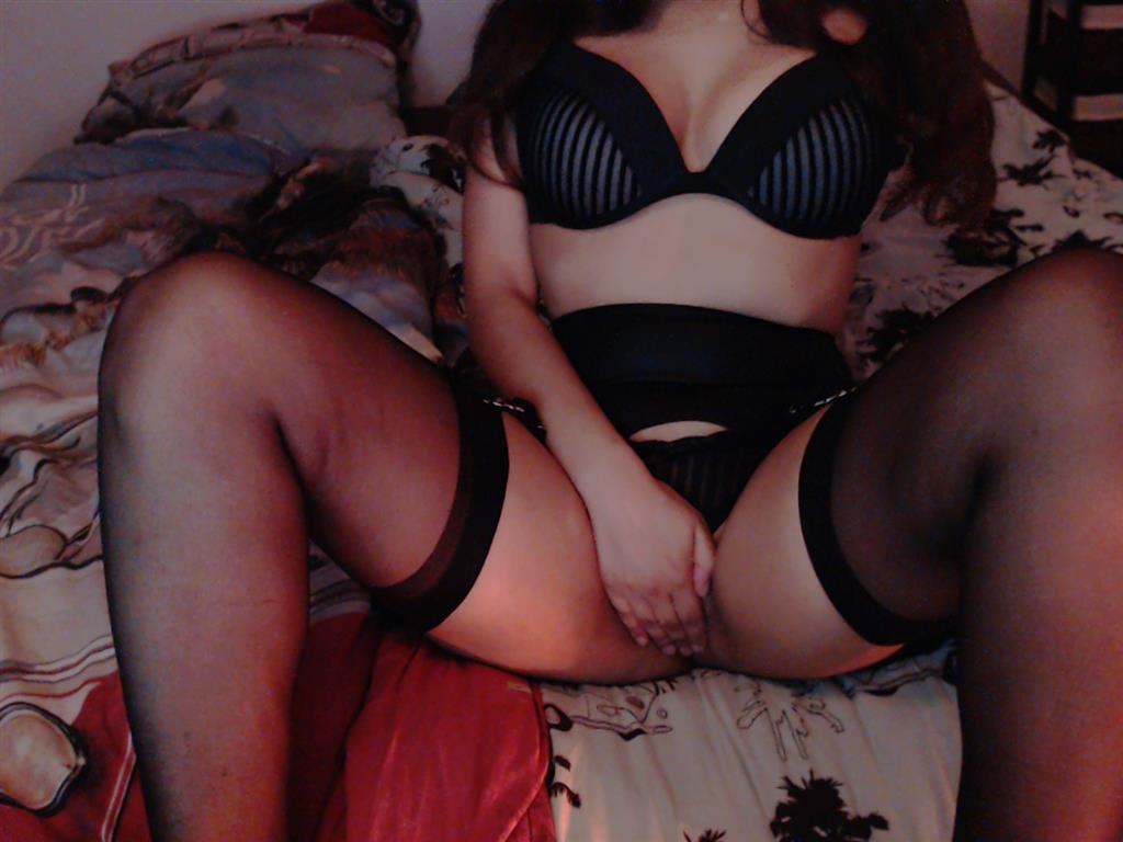 Livesex mit MissJessy auf Camseite.com