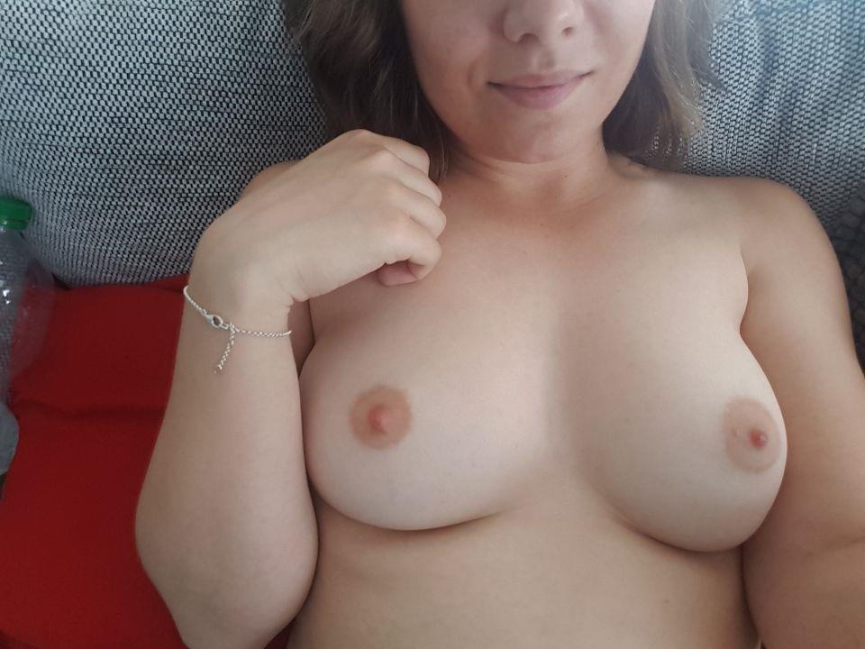 Livesex mit SexySally25 auf Camseite.com