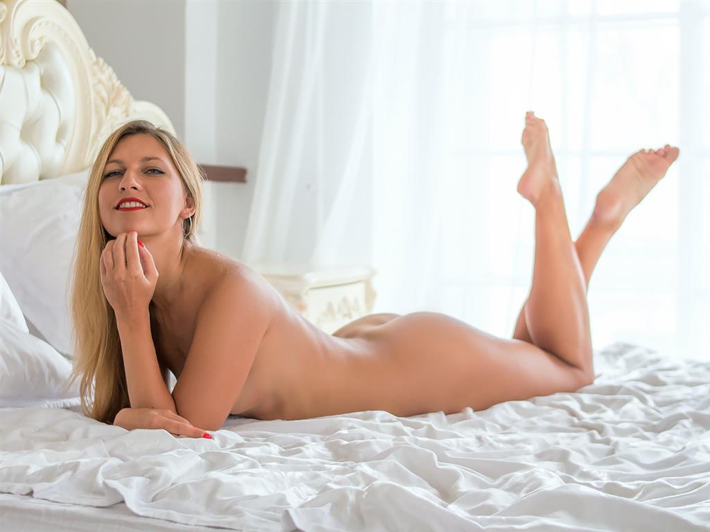 Livesex mit SexySusana auf Camseite.com